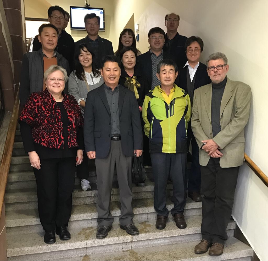 Deutsches Bildungssystem als Exportschlager: Delegation aus Südkorea besucht unsere Sophie-Scholl-Schule
