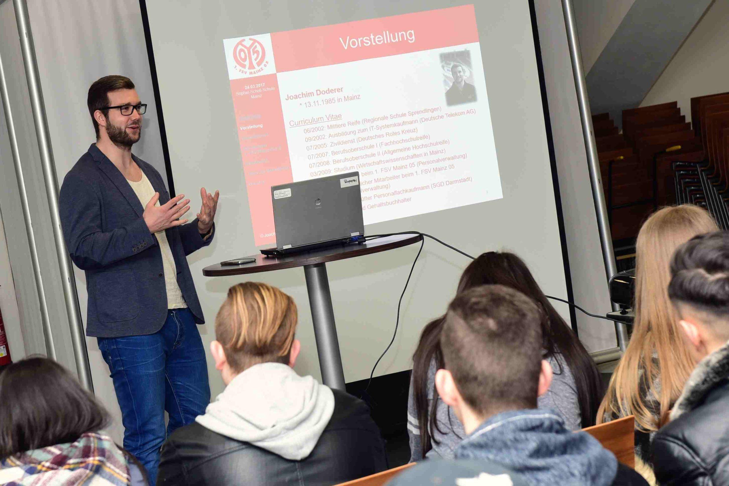 05er-Klassenzimmer, Bewerbungstraining 2017, BF 1 16 a-c der Sophie-Scholl-Schule; BBS II Mainz