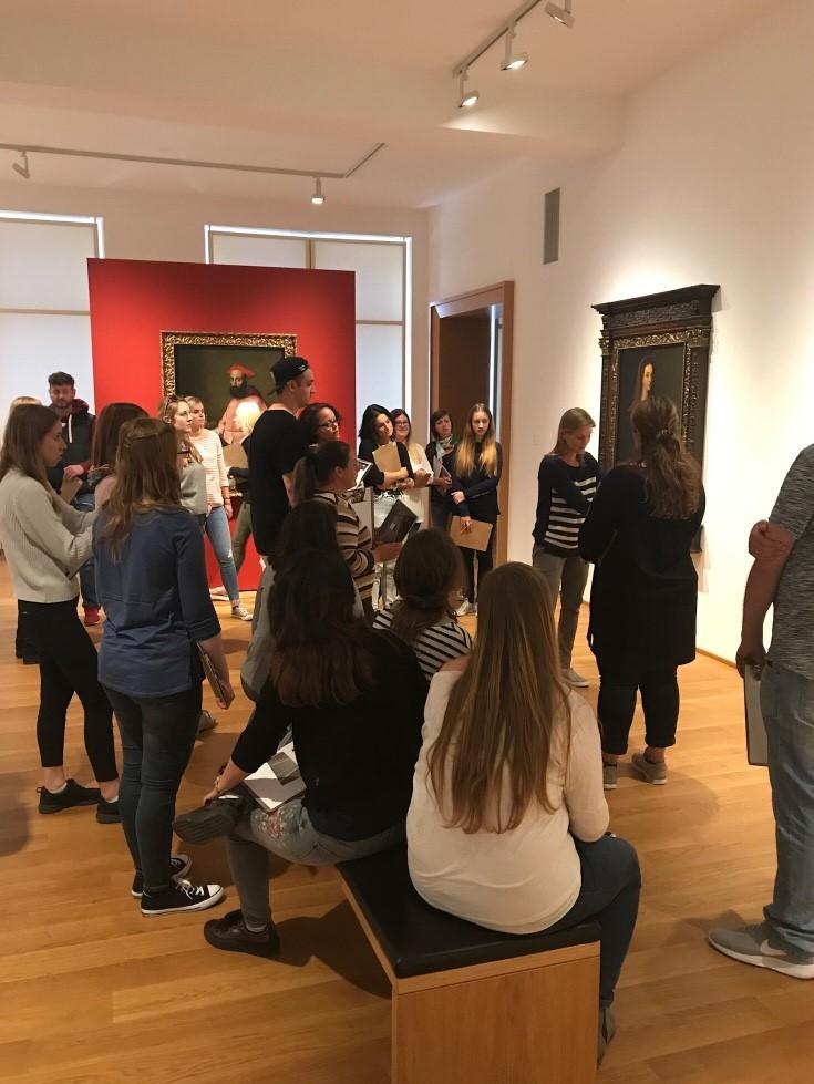 Kunst hautnah erleben - Museumspädagik vor Ort